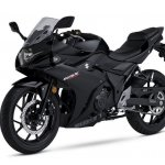Suzuki GSX250R Black front three quarter