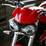 Triumph Street Triple S Diablo Red headlight