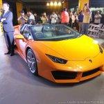 Lamborghini Huracan RWD Spyder front three quarters right side