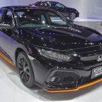 2017 Honda Civic Hatchback front quarter at the BIMS 2017