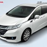 2017 Honda Odyssey (facelift) front three quarters left side