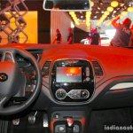 2017 Renault Captur (Facelift) dashboard Geneva Motor Show Live