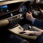 Lexus ES 300h dsahboard