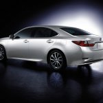 Lexus ES 300h rear three quarters