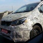 Mahindra U321 MPV (Toyota Innova rival) front spied on test