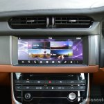 New Jaguar XF 2.0 Diesel Portfolio center console Review