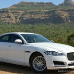 New Jaguar XF 2.0 Diesel Pure front three quarter close Review