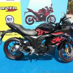 Suzuki Gixxer SF at Gixxer Day in Mumbai black side