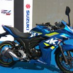 Suzuki Gixxer SF at Gixxer Day in Mumbai blue side
