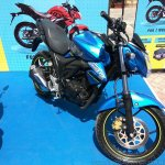 Suzuki Gixxer day in Mumbai front three quarter right