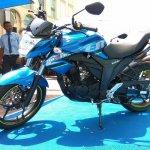 Suzuki Gixxer day in Mumbai side left
