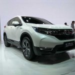 2017 Honda CR-V front three quarters at Auto Shanghai 2017