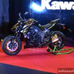 Kawasaki Z1000R India launch fornt three quarter left
