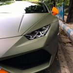 Lamborghini Huracan Avio headlamp snapped in Kolkata