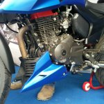 TVS Apache RTR 200 track experience at MMRT engine view right