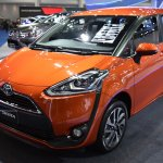 Toyota Sienta front three quarters at 2017 Bangkok International Motor Show