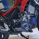 Yamaha V-Ixion R engine and radiator