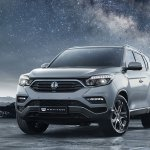 2017 SsangYong Rexton front three quarters right side