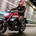 2018 Honda CB650F motion front three quarter