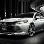 2018 Toyota Camry Hybrid TRD front three quarters