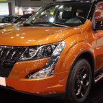 Mahindra XUV500 special edition front three quarters