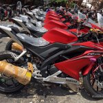 Yamaha R15 v3.0 Vietnam dealership side