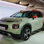 2017 Citroen C3 Aircross front three quarters left side second image