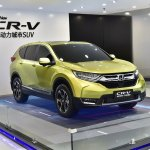 2017 Honda CR-V front three quarters