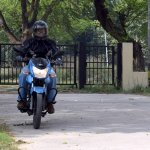 TVS Victor review motion front