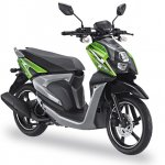 Yamaha X-Ride 125 green front three quarter