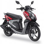 Yamaha X-Ride 125 red front three quarter