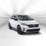 2018 Kia Sorento (facelift) front three quarters