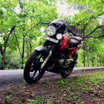 Bajaj Pulsar 150 B3.1 by Beast Motors front three quarter