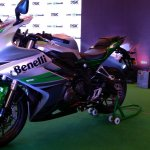 DSK Benelli 302R Silver Verde front three quarters Indian launch
