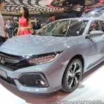 2017 Honda Civic Hatchback front three quarters at GIIAS 2017