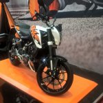 2017 KTM 200 Duke front right quarter at GIIAS 2017