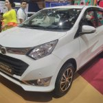 Daihatsu Sigra Special Edition GIIAS 2017 front three quarters