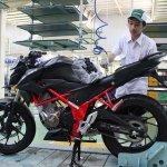 Honda CB150R StreetFire Raptor Black Special Edition side