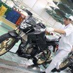Honda CB150R StreetFire Stallion Black Special Edition front left quarter