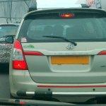 Mahindra U321 rear vs. Toyota Innova rear