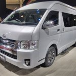 Toyota Hiace Luxury at GIIAS 2017 left front three quarters
