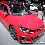 2017 VW Golf GTI Performance front three quarters right side at the IAA 2017