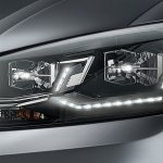 VW Vento Highline Plus headlamp