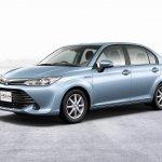 2015 Toyota Corolla Axio front three quarters