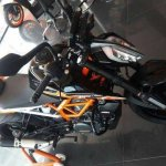 2017 KTM 390 Duke black colour front left quarter