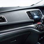 JDM-spec 2018 Honda Odyssey (facelift) dashboard