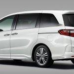 JDM-spec 2018 Honda Odyssey (facelift) rear three quarters
