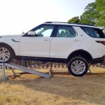 Land Rover Discovery articulation