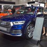 2017 Audi SQ5 front three quarters left side at 2017 Dubai Motor Show