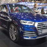 2017 Audi SQ5 front three quarters right side at 2017 Dubai Motor Show